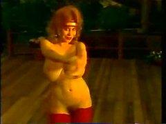 Busty MILF Retro Classic Kitte...