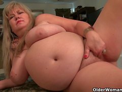 BBW milfs Love Goddess and Lisa feel horny and need getting off