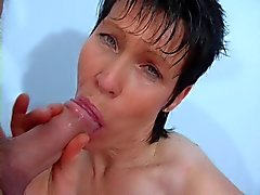 My mom have a hot mouth, great boobs and a wonderful pussy