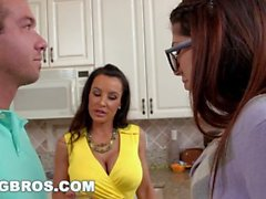 BANGBROS - Stepson bangs his GF Ava Taylor and Stepmom Lisa Ann (smv13200)