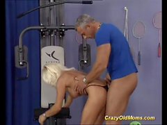 german muscle mom fucked by her gym coach