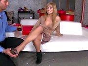 Sexy Lea Lexus prefers foot fetish