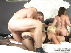 Sara Jay and friends fuck in foursome