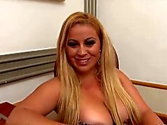 What a SuperHot Latin Milf