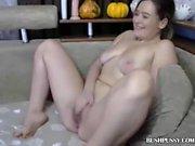 Hot webcam MILF rubs hairy bush and clit until orgasm