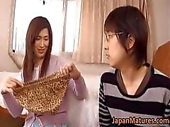 Japanese mature woman has cute part1