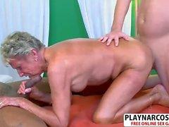 Great Milf Sandra Ann Gives Handjob Well Hot Dad's Friend