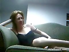 Amateur couple fucking hard on the couch