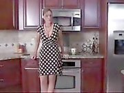 STEPMOM YOUR ASS IS SO BIG LET ME FUCK YOU!!! - for more stepmomxxx