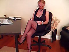 MILF in Nylon Stockings