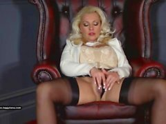 Posh blonde cougar Leggy Lana fingers horny wet pussy and fucks glass toy
