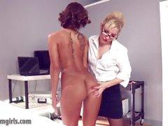 Pleasuring her Slutbot