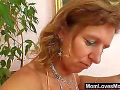 Unshaven amateur-mom gets toyed by perverse blond dame