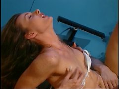 Girl gets fucked and creamed in the clinic