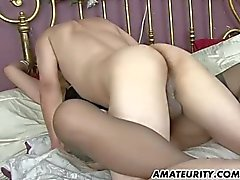 Naughty amateur Milf homemade action