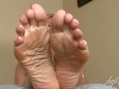 Angel Kissed Feet - StepMom's Feet Control your Cock - Jerkoff Instruction