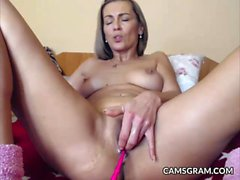 Nice Amateur Whore Squirting Her Slot