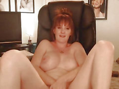 Sexy Big Tits MILF Shows Naked in a Hot Pussy Maturbation Show