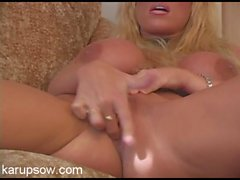 Finger fucking milf chick is all wet as she plays