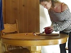 How to cut a pomegranate - Erin Electra
