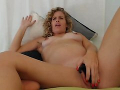 Webcam MILF toying her tight asshole