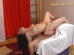 Hot MILF tests a guy's licking skills