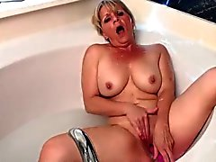 Body-shaking orgasm with hot blonde milf bobbie.