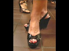 Sarah Palin feet, toes and footwear.