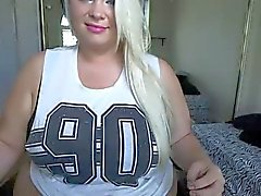 webcam bbw teasing her folds