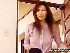 Japanese mature woman has cute part3