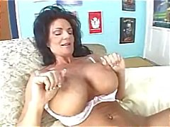 Deauxma loves to have her hot cunt eaten
