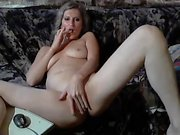 Solo Horny MILF fingering her pussy on cam