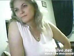 amateur hazle fox flashing boobs on live webcam