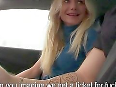 Blonde hitchhiking amateur blows a driver off