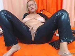 A Cute Milf Model In Homemade Porn Show