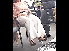 Voyeur of Plus size milf in high heels.
