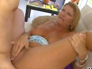 super hot and plumpy milf gets to be dicked around