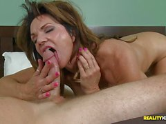 Pussy pie mom Deauxma drilled deep