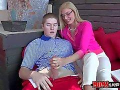 Nice MILF Darryl Hanah seducein young Jake Taylor
