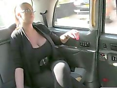 Massive boobs amateur customer fucked by fraud driver