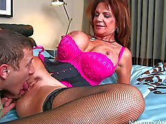 Mature slut Deauxma with huge baps gets screwed