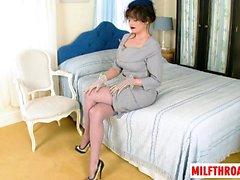 Brunette milf nylon and cumshot