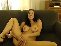 Curvy Filipina in sexy solo striptease
