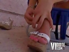 Kinzie Kenner prefers footjob