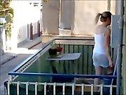sexy tette in balcone