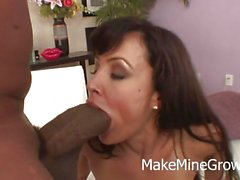 Big Tits MILF Lisa Ann Want A Huge Cock On Her Holes
