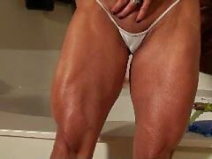 Lynns Muscle Control Cock Teaser