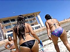 milfs friends big asses at the beach 2015