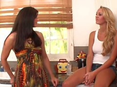 Mature milf licks forbidden stepdaughter les