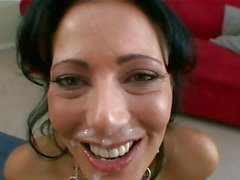 Jizz junkie Zoe Holloway gets her mouth all messed up with a creamy load of jizz